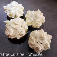 Cupcake blanc, topping chocolat blanc