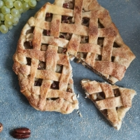 Tarte au raisin et noix de pécan